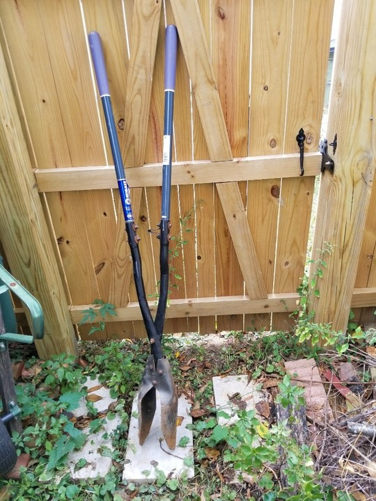 Kobalt post-hole digger for Rent in Richmond, VA